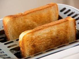 Jak wyczyścić toster? Sposoby na czysty toster w środku i na zewnątrz
