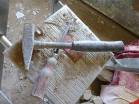 Grunty, podkłady podłogowe, powłoki epoksydowe – jakie materiały budowlane dla Twojej posadzki?