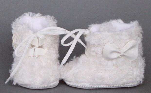 białe buciki do chrztu