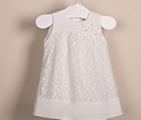biała sukieneczka bez rękawów do chrztu