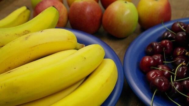 misy z owocami