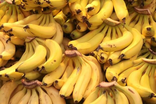 od groma bananów