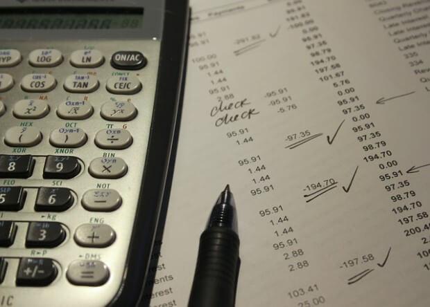 podliczanie zysków i strat
