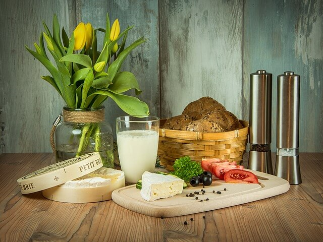 Produkty spożywcze na stole
