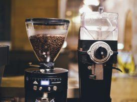 Młynek do kawy do domu, biura? Jaki ekspres wybrać do pracy, jaki dla rodziny?