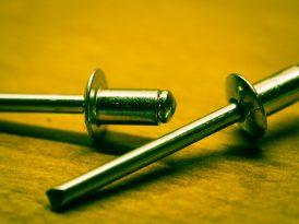 Nitownica – jak działa ręczna nitownica?