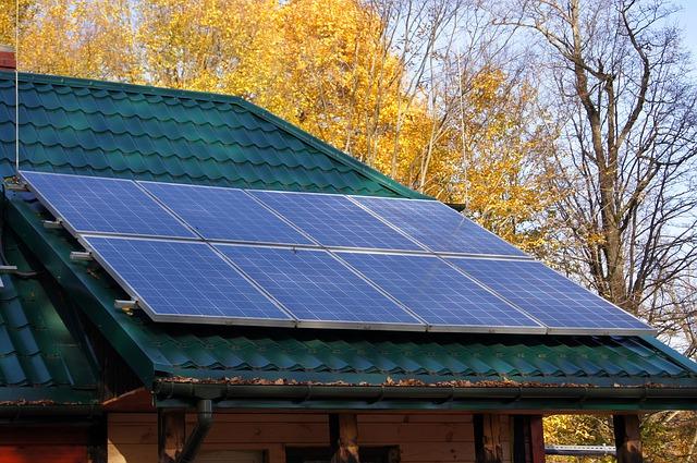 Instalacja solarna na dachu